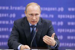 Путин достоин звания Героя России за возвращение Крыма – журналисты