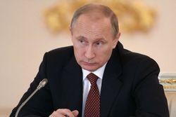 Путин скоратит расходы бюджета из-за падения цен на нефть