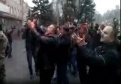 Штурмовики Горловского УВД начали атаковать милицию