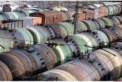 Слабый рубль остановил поставки белорусского бензина в Россию