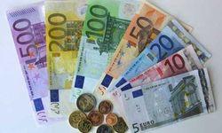 Евро снижается к курсу доллара к 1,36 на Форекс