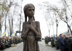 Голодомор: Детей умерших родителей отправляли в концлагеря