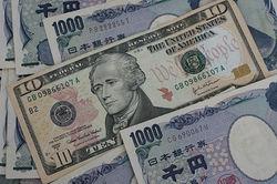 Курс доллара вырос против японской иены на 0,40% на Форекс после данных Японии