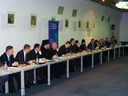 «Круглый стол» сорван – Янукович не прибыл, поэтому и оппозиция не пришла