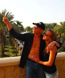 Жена Ван Дамма подала на развод из-за его связи с украинской моделью