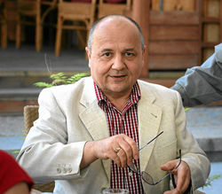 Виктор Суворов: Только стена! Никого в ДНР и ЛНР вы не перевоспитаете