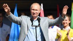 Чем путинская Россия притягивает правых политиков?