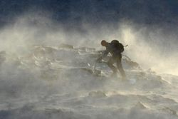 На горнолыжных курортах - высокая лавиноопасность