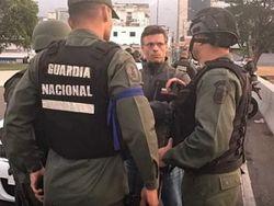 На грани войны: сотни военных Венесуэлы перешли на сторону Гуайдо