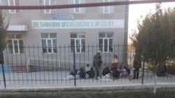 В Узбекистане школьники продолжают собирать хлопок