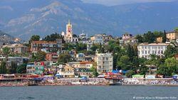 Путин приказал чиновникам отдыхать в Крыму – за счет бюджета и профсоюзов