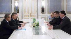 Янукович прекратил переговоры с оппозицией