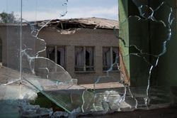 Жители Луганска опять остались без света, воды и телефона