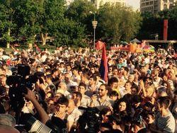 В Ереване вновь митингующие требуют отмены повышения тарифов на электроэнергию