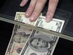 Каждый третий доллар, отправленный мигрантами из РФ, послали в Узбекистан