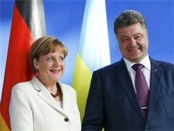 Порошенко поговорил с Меркель о Донбассе