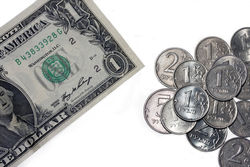 Падение рубля к доллару на Форексе повысит конкурентоспособность петербургских товаров