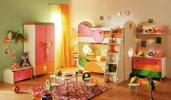 Определены ведущие бренды и продавцы детской мебели в Интернете у россиян