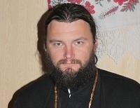 Молиться мало, надо помогать АТО – архиепископ Полтавский и Кременчугский