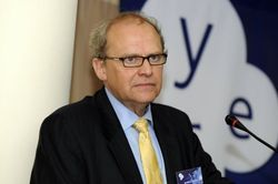 Эксперт: Главная проблема экономики Украины - вымогательство «семьи»