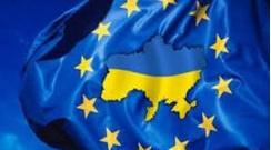 ЕС будет держать дверь открытой для Украины, но недолго