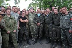 Порошенко: во время боев закаляется украинская нация