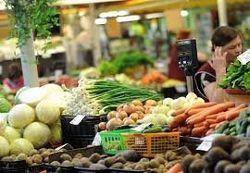 Министр из Узбекистана назвал резиновыми латвийские фрукты, предложив покупать узбекские