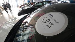 На льготные автокредиты россияне предпочитают покупать иномарки