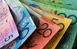 Курс доллара снизился к австралийцу на 0,53% на Форекс после сильных данных Китая