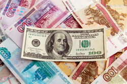 Угроза отключения России от международной платежной системы SWIFT как фактор давления на курс рубля