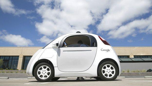Липкое покрытие автомобилей разработанное Google спасет пешеходов при ДТП