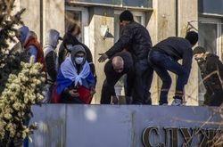 """Озвучены расценки сепаратистов: 500 гривен """"постоять"""" 500 долларов – штурмовать"""