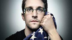 The New York Times: экс-шпион Сноуден просит о помиловании Президента США Обаму