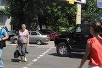 В центре Киева Hummer сбил американского дипломата и ее детей - СМИ