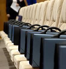 Социологи: средний класс РФ растет за счет чиновников