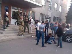 У силовиков Украины нет опыта борьбы с толпой, отсюда и жертвы – СМИ России