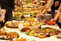 Как не набрать лишних килограммов за шведским столом