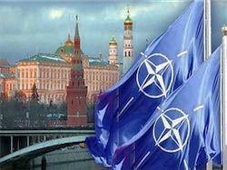Москва не рискнет воевать с НАТО, но гибридная война уравнивает шансы