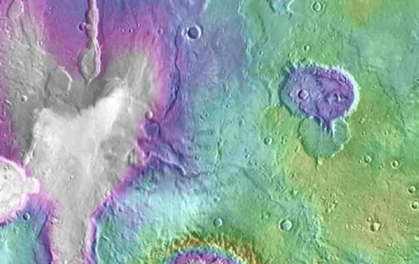 Ученые: Озера наМарсе появились позже, чем думали