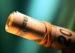 Индекс доллара торгуется вблизи 85,69 на Форекс впервые с середины 2010 года