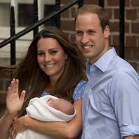 Герцогиня Кембриджская с дочерью покинули роддом