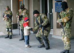 Во время перестрелки в Славянске погибли водитель школьного автобуса и еще 6 человек