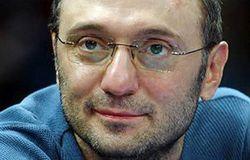 Из-за белорусов Сулейман Керимов стал невыездным