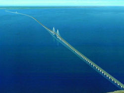 Будущему Керченскому мосту угрожает множество опасностей