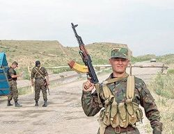 В перестрелке на границе Кыргызстана и Таджикистана ранены пограничники