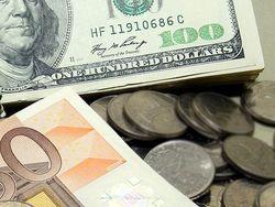Курс евро на Forex начинает четверг с повышения к доллару