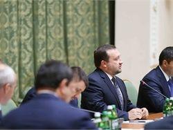 Арбузов обещает бизнесу защиту от рейдерства в Украине