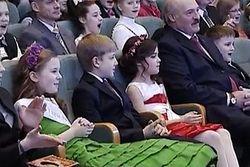 """9-летнему сыну Президента Беларуси подбирали компанию на """"елку"""" в модельных агентствах"""