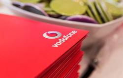 Украинцы могут не спешить менять sim-карты МТС на Vodafone