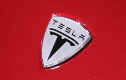 Tesla Motors к разработке автопилота решила привлечь новых инженеров